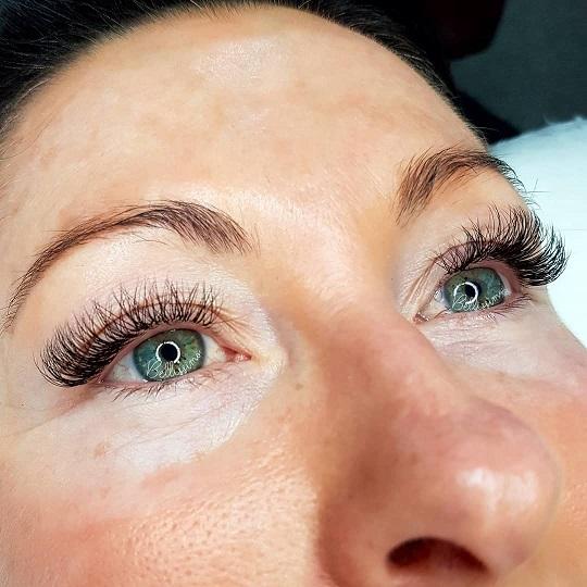 Jenny M - eyelash extensions reviews